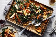 Fluten free - Vegetarian - Roasted Sweet Potato, Chickpea, and Kale Sheet Pan Salad with Almonds, Onions, Apple & Cheddar Cheese recipe on Thanksgiving Vegetable Sides, Thanksgiving Side Dishes, Thanksgiving Prayer, Thanksgiving Appetizers, Thanksgiving 2020, Thanksgiving Outfit, Thanksgiving Crafts, Thanksgiving Decorations, Vegetarian Recipes