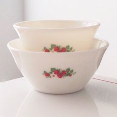 3 PC McKee Milk Glass w Red Dots Mixing Bowl Set 7\