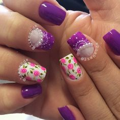 Another Purple nail art design in floral concept. You can add other colors for the flowers with the Purple, make sure that the colors will complement each other or at least are in the same shade such as pink or violet.