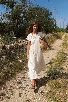 30 Everyday Dresses to Wear at Home This Summer Free People Clothing, Free People Dress, Simple Dresses, Pretty Dresses, Casual Dresses, Beach Color, Hippie Outfits, Everyday Dresses, Tee Dress