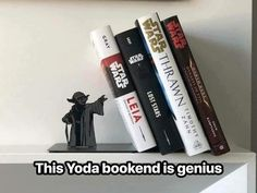 A MUST HAVE for Star Wars Fans? on Laughing Squid site: Hallmark is featuring a metal Star Wars Yoda bookend that makes it appear as if the legendary Jedi Master is holding up your collection of books with his force powers. Star Wars Decor, Decoration Star Wars, Star Wars Art, Star Wars Books, Star Wars Love, Star Trek, Star Wars Zimmer, Cuadros Star Wars, Star Wars Bedroom