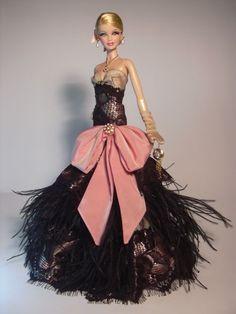 Barbie vestito da sera piumato