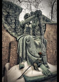Haserot angel at Lakeview Cemetery