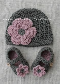 Crochet Baby Shoes And Hat Girls cross stitch crochet hat and crochet baby shoe set.dark … Crochet Baby Shoes And Hat Girls cross stitch crochet hat and crochet baby shoe set. Baby Girl Crochet, Crochet Baby Booties, Crochet Beanie, Baby Blanket Crochet, Knit Crochet, Crochet Baby Hats Free Pattern, Newborn Crochet Patterns, Crochet Crafts, Crochet Projects