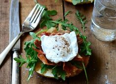 YUM Make this for Sunday brunch -- Toasted bagel breakfast sandwich with prosciutto and egg. Think Food, I Love Food, Food For Thought, Breakfast Time, Breakfast Recipes, Health Breakfast, Breakfast Ideas, Breakfast Healthy, Perfect Breakfast