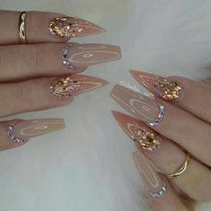 Best Acrylic Wedding Nails For Your Summer Weddings - Nail Art Connect Best Acrylic Nails, Acrylic Nail Designs, Nail Art Designs, Perfect Nails, Gorgeous Nails, Pretty Nails, Fancy Nails, Bling Nails, Rhinestone Nails