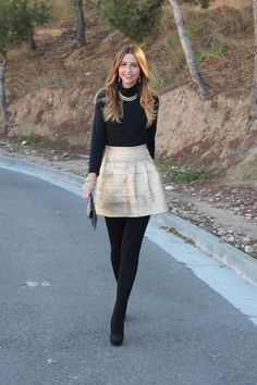 winter outfits cold 38 Ideas Dress Winter Outfit C - winteroutfits Gold Skirt Outfit, Winter Dress Outfits, Tights Outfit, Skirt Outfits, Dress Winter, Winter Wear, Winter Tights, Dress With Tights, Work Outfits