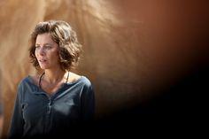 Anna Friel in American Odyssey - Season 1 American Odyssey, Anna Friel, Season 1, Curly Hair Styles, Tv Shows, Hair Beauty, Actors, Female, Sally