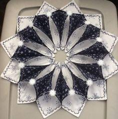 Resultado de imagen de fold n stitch wreath tutorial