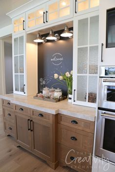 Home Remodeling Built in kitchen chalkboard - See our 2019 Salt Lake Parade of Homes recap highlighting some of the most beautiful new home trends, home decor ideas and lots of design ideas. Home Renovation, Home Remodeling, Kitchen Remodeling, Architecture Renovation, Classic Kitchen, Minimal Kitchen, Kitchen Chalkboard, Diy Kitchen Remodel, Küchen Design