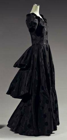 1937 - Paquin. Silk.
