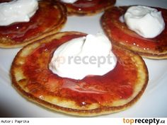 Tvarohové lívanečky s marmeládou a jogurtem Czech Recipes, Nutella, Camembert Cheese, Ale, Pancakes, Breakfast, Czech Food, Mille Crepe, Crepes
