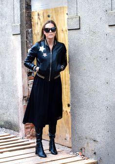 Love Leather #leatherjacket #bomberjacket #leather #stars #allblackoutfit #overthekneeboots #streetstyle #fashion