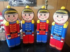 Brick soldiers Painted Bricks Crafts, Brick Crafts, Painted Pavers, Cement Crafts, Painted Rocks, Hand Painted, Christmas Crafts For Gifts, Christmas Ornaments To Make, Christmas Decorations