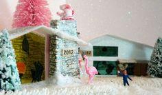 Mid century style Putz glitter houses by kitschavan on Etsy Christmas Scenes, Christmas Villages, Modern Christmas, Retro Christmas, Christmas Projects, Christmas Home, Holiday Crafts, Christmas Holidays, Christmas Decorations