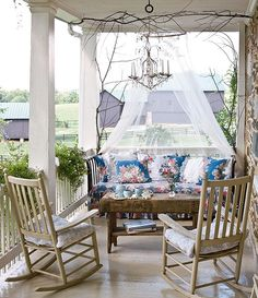 Daybed on the porch...