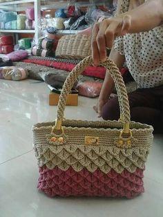 Crochet Purses Crochet Doilies Crochet Bags Diy Handbag Pouch Bag Knitting Patterns Crochet Patterns Cute Crochet Purses And Bags Crochet Bag Tutorials, Crochet Purse Patterns, Crochet Clutch, Bag Patterns To Sew, Crochet Handbags, Crochet Purses, Crochet Ideas, Bag Pattern Free, Diy Handbag