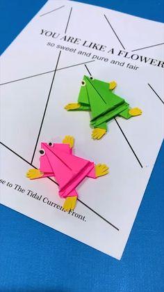Newspaper Crafts, Paper Crafts Origami, Paper Crafts For Kids, Diy Arts And Crafts, Scrapbook Paper Crafts, Creative Crafts, Preschool Crafts, Fun Crafts, Paper Folding For Kids