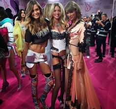 Taylor backstage with VS Angels