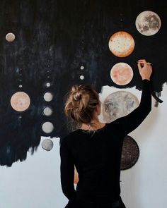 paint the moon.