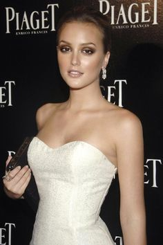 Leighton Meester her makeup and dress is so stunning