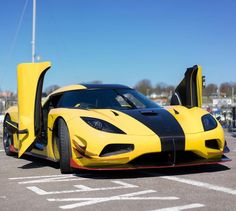 Koenigsegg Agera ML (RS) painted in Yellow w/ exposed carbon fiber and Red accents Photo taken by: @lovecars on Instagram