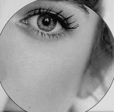وفي عينها نظرة كالسكوت بعد الكلمة التي قيلت همسا  .بينها وبين محبها