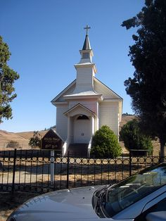 Such a cute church by pocketmonsterd, via Flickr  Old Saint Mary's