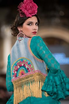 Viviana Iorio - We Love Flamenco 2018 - Sevilla Cotton Kurties, Spanish Dancer, Flamenco Dancers, Tribal Dress, Spanish Style, Festival Wear, Traditional Dresses, Wedding Costumes, Textile Art
