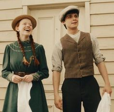 Anne & Glibert ️ can find Green gables and more on our website. Gilbert Blythe, Anne Shirley, Anne Of Green Gables, Gilbert And Anne, Anne White, 20th Century Women, Annette Bening, Anne With An E, Cuthbert