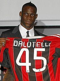 Balotelli apunta a titular en su debut en el Milan