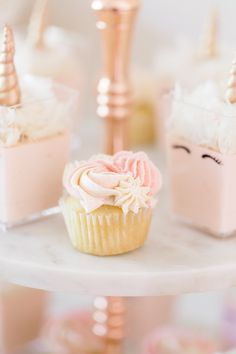 Love these colors -- ivory, blush, cream, butter, soft pink. Gold Cupcakes, Glitter Cupcakes, Unicorn Cupcakes, Happy Birthday Baby, Unicorn Birthday, 10th Birthday, Birthday Ideas, Gold Dessert, Gold Confetti Balloons