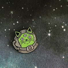 NFS - Alien Cat Pin - £4.99 http://www.nofitstate.co/collections/all/products/nfs-alien-cat-pin