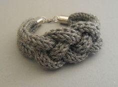 Strickliesel*Armband - *Resa* - Farbe: mittelgrau - 10,00€