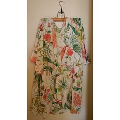 Floral blouse Super lightweight & comfy flower blouse. Perfect for the summer! Size M Tops Blouses
