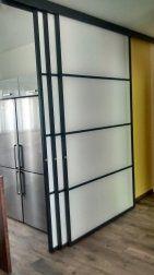 Cloison amovible coulissante suspendue au format rectangulaire Room Divider Shelves, Wood Room Divider, Murs Mobiles, Movable Walls, Partition Design, Indoor, Totalement, Kitchen, Furniture