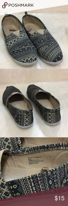 FLATS USED A FEW TIMES DURING SUMMER TIME STILL IN GOOD CONDITION. Shoes Flats & Loafers