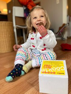 Check out the new MamaSezz Not-A-Cookie subscription! #WFPB #cookiesubscription #parentinghacks #momhacks #kidfriendly #kidfavorite #cookie #WFPBcookie #vegancookie #healthycookie #cookiedelievery #glutenfree #glutenfreecookie #healthycookie #plantbased #plantbasedcookie Plant Based Snacks, Plant Based Diet, Plant Based Recipes, Gluten Free Cookies, Healthy Cookies, Vegan Snacks, Vegan Recipes, Food Shopping List, Plant Based Breakfast