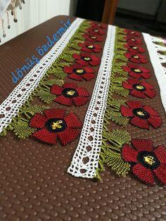 Seed Bead Tutorials, Beading Tutorials, Handmade Greetings, Greeting Cards Handmade, Natalie Wood, Diy And Crafts, Paper Crafts, Crochet Santa, Baby Girl Cards