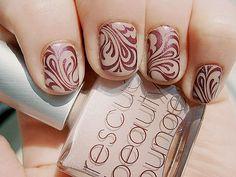 Daydreamer Fashionista: Spice Up Your Finger Nails