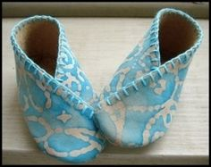 Baby shoes by barbara.paradislacourt