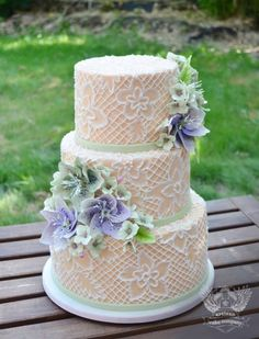 To see more gorgeous wedding cakes from Artisan Cake Company: http://www.modwedding.com/2014/11/14/27-wedding-cake-inspiration-serious-wow-factor/ #wedding #weddings #wedding_cake