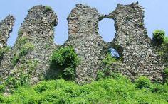 Huszti várrom - kép 3 Hungary, Castles, Arch, Outdoor Structures, Garden, Garten, Chateaus, Gardening, Castle