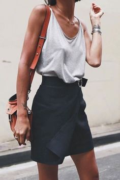 10 Simple and Modern Tips: Urban Wear For Men Hats urban fashion design products.Urban Wear For Men Ray Bans urban fashion outfits grunge. Mode Outfits, Edgy Outfits, Fashion Outfits, Fashion Tips, Fall Outfits, Ladies Fashion, Skirt Outfits, Fashion Ideas, Woman Outfits