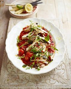 You'll love this super-simple version of an all-time Italian classic. Chicken Arrabbiata vibrant and fresh with lovely chilli heat. Seriously good Friday dinner... recipe over on JamieOliver.com xx # by jamieoliver