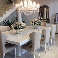 Such an elegant dining area by @fruinterior ✨