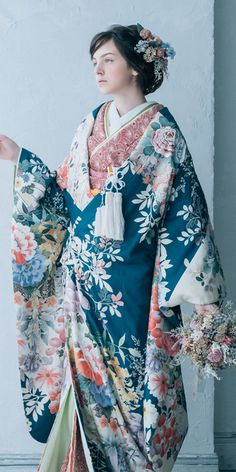 Traditional Fashion, Traditional Dresses, Kabuki Costume, Japanese Outfits, Yukata, Japanese Kimono, Lovely Dresses, Japanese Culture, Kimono Fashion