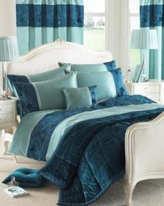 Lovely teal bed set! I want this for winter in MSP!