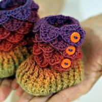 Crocheting: Crocodile Stitch Booties (Baby Sizes) at Craftsy.
