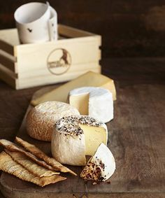 Cowgirl Creamery Deluxe Collection // Give the gift of cheese from Cowgirl Creamery this holiday season! Everyone loves a party or even a winter night in, when paired with the perfect cheese, et al. // Ideal hostess gift or addition to any Thanksgiving table! // Cheese boards, cheese plates and cheese plates never get boring when made with these incredible artisan products.